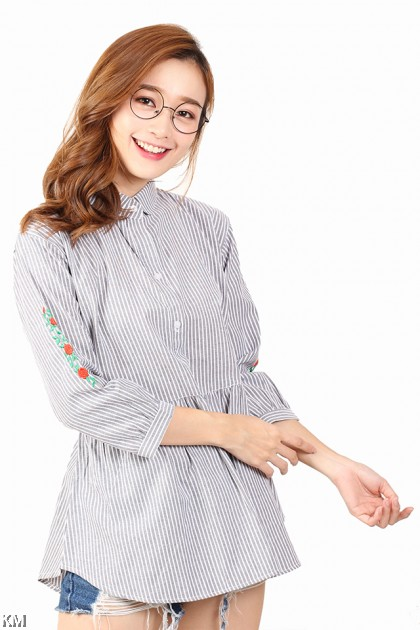 Women Mini Roses Embroidered Shirt [M2940]