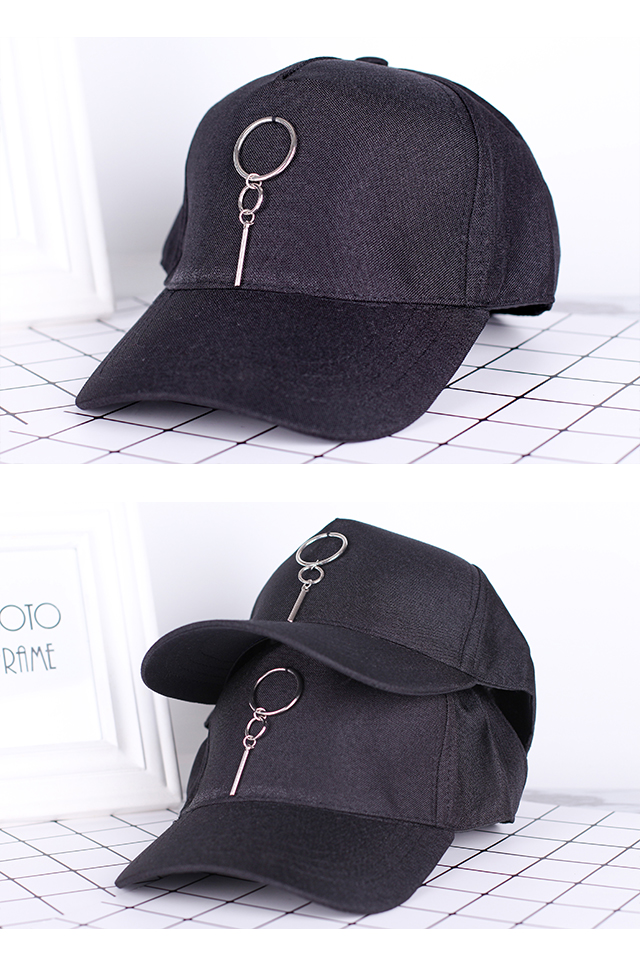 Black Baseball Cap with Accessories [M388]